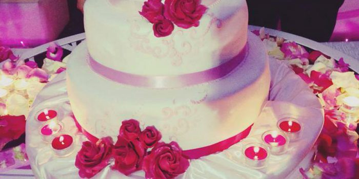 Almeno…n°5 Idee Per Differenziare E Decorare Il Tavolo Della Torta Nuziale